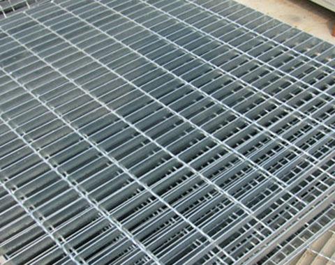 金属踏步板